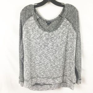 (7-087) Torrid Sz 2 Long Sleeve Sweatshirt